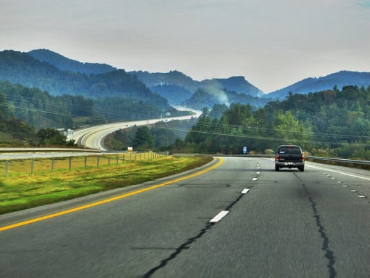 The highways near Black Mountain, North Carolina, just outside Ridgecrest. (Photo by Sakura Sunagawa/flickr)