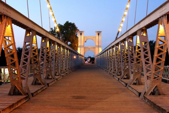 The Waco Suspension Bridge. (Photo by Denise Mattox/flickr)