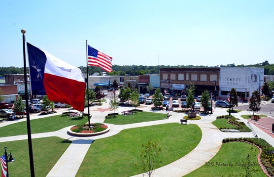 Courthouse Square in Sulphur Springs, Texas, where the race starts and finishes. (Photo by Wikimedia)