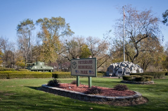 The entrance to Veterans Memorial Park in South Holland, Ill. (Photo by vxia/flickr)