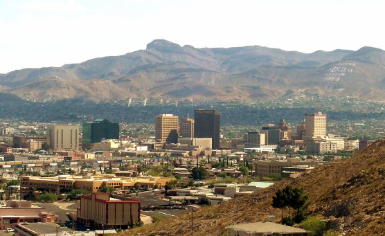 The El Paso skyline, with the Franklin Mountains in the background. (Public domain photo by Wikimedia)