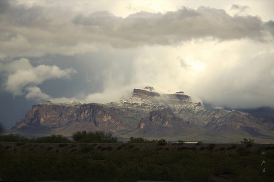 View of the mountains surrounding Mesa, Ariz. (Photo by minniemouseaunt/flickr)