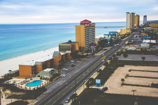 Front Beach Road in Panama City Beach, Fla. (Photo by Brett Booner/flickr)