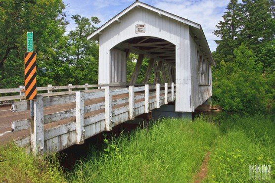 The Larwood Covered Bridge near Scio, Oregon. (Photo by Ian Sane/flickr)