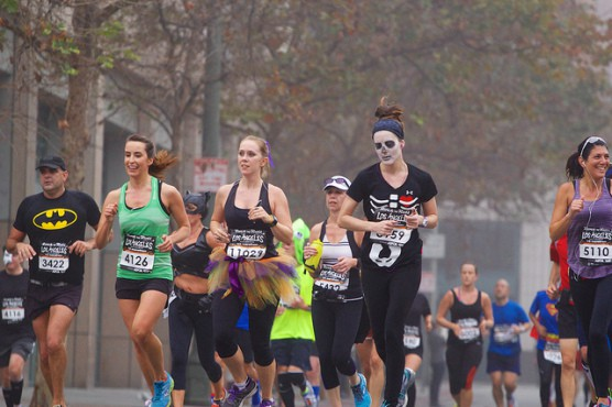 Runners at the 2013 Rock 'n' Roll Los Angeles Halloween Half. (Photo by Channone Arif/flickr)