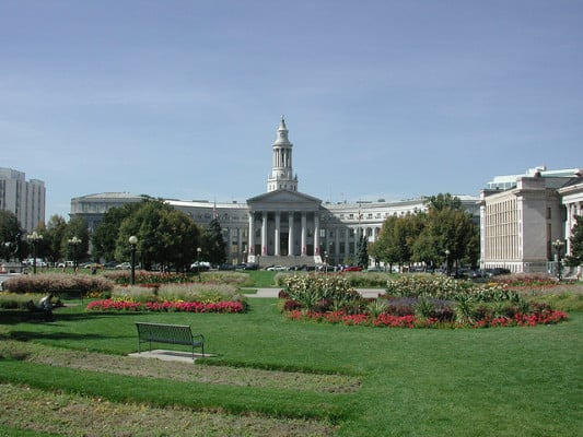 Denver's City and County building in Civic Center Park, where the Rock 'n' Roll Denver races start and finish. (Photo by Cliff/flickr)