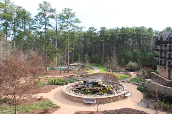 The Callaway Gardens Lodge and Spa. (Photo by Wikimedia)