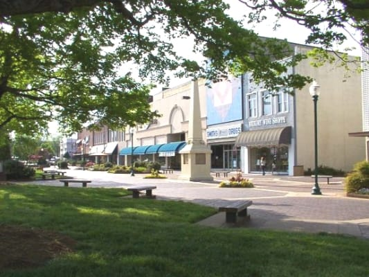 Union Square in downtown Hickory, North Carolina. (Photo by Wikimedia)