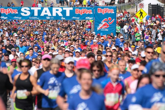 The start of the 2013 Hy-Vee Road Races at the Drake Relays in Des Moines, Iowa. (Photo by Phil Roeder/flickr)