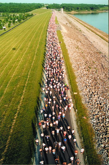 Runners start the Dam to Dam Half Marathon along the Saylorville Dam. (Photo courtesy Dam to Dam Half Marathon)